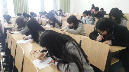 在线考试系统怎样实现无纸化考试